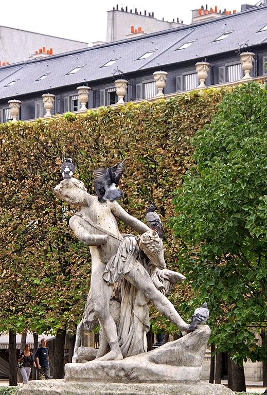 File jardin du palais royal 2 paris 25 july for 6 jardin guillaume bouzignac
