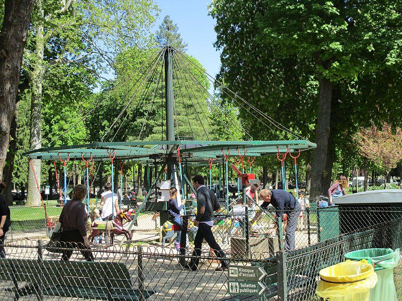 Fichier:Jardin du Ranelagh - manège.JPG