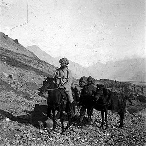 Jules Jacot-Guillarmod - Jules Jacot Guillarmod riding a horse during expedition to K2