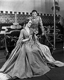 Photo avec Julie Andrew et Richard Burton dans la comédie musicale Camelot