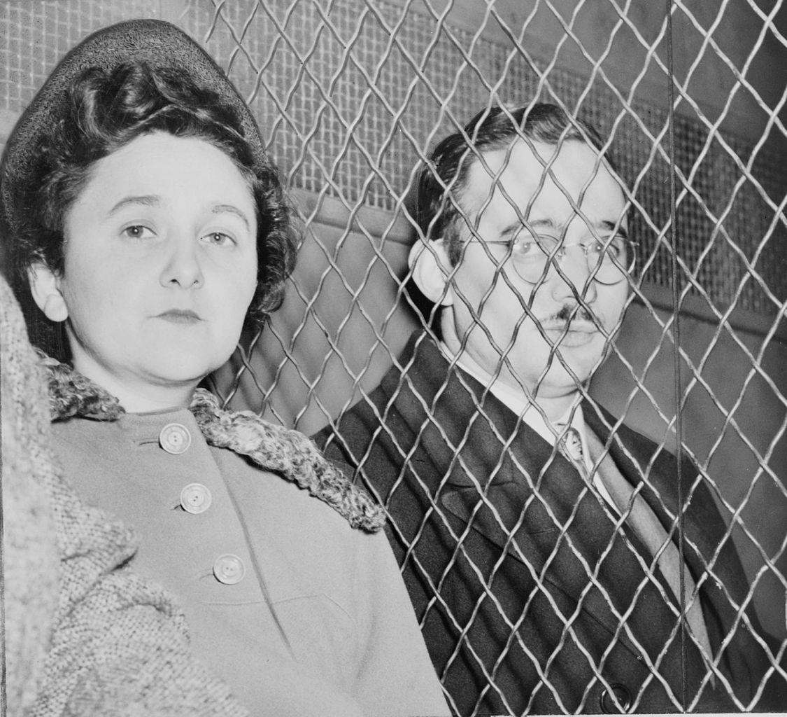 Julius y Ethel Rosenberg, tras ser declarados culpables en el juicio.