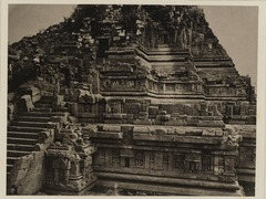 KITLV 40002 - Kassian Céphas - North side of the Shiva temple of Prambanan near Yogyakarta - 1889-1890.tif