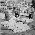 Kaasmarkt Alkmaar (3118477128).jpg
