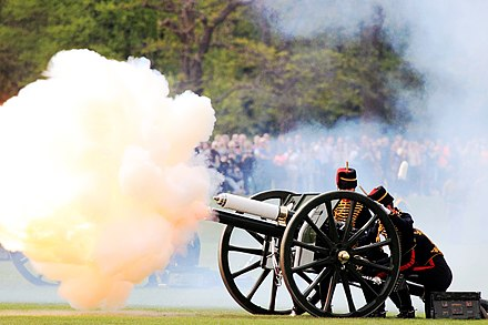 The Gun Salute in Hyde Park, London to mark the birth of Charlotte King's Troop Royal Horse Artillery (16750107774).jpg