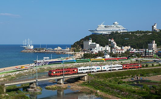 Korail Class 9000 Jeongdongjin.jpg