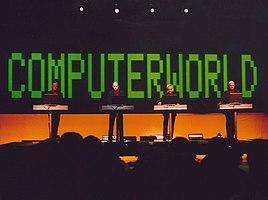Kraftwerk vive en Stockholm en 2004