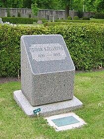 LA2 Isidor Kjellberg grav.jpg