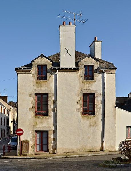 Old house, SW facade, La Roche-Bernard, Morbihan, France.