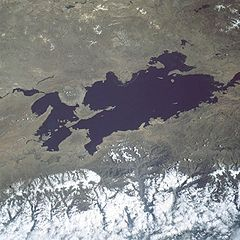Lake titicaca.jpg