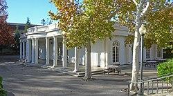Le Petit Trianon.jpg
