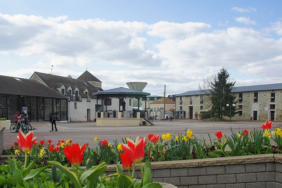 Le kiosque de la Mairie de Pontault Combault (77)