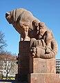 Lederer 1927-34 Stierbrunnen Berlin-Prenzberg 9.jpg