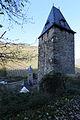 Liebesturm Bacharach, Steeger Torturm im Hintergrund.jpg
