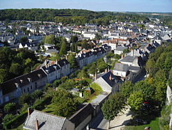 Loches-centre-ville-tour-louis-XI.jpg