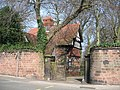 Lodge and Entrance to Reynold's Park - geograph.org.uk - 386418.jpg
