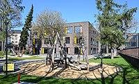 Luxembourg City, Hollerich – école et place de jeux 2019a.jpg