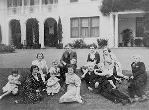 Enid Lyons - The Lyons family in the 1930s on the lawns of The Lodge.