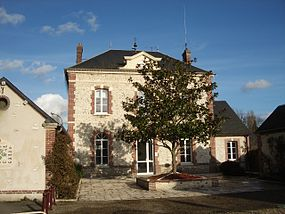 Mairie fontaine sous jouy.jpg