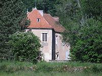 Maison-forte Alligny-en-Morvan 03.JPG
