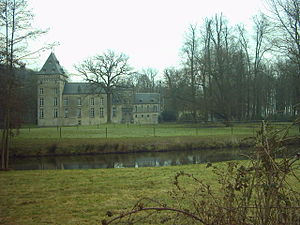 Westmalle Castle - View of the castle and the round building on the right