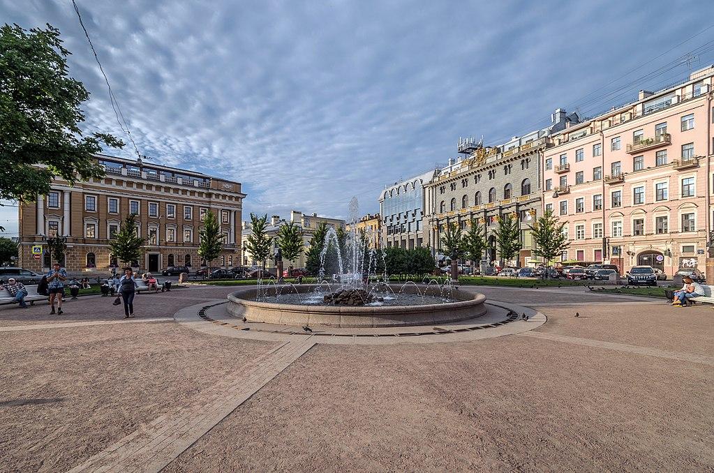 Первые фонтаны запустят вПетербурге 19апреля