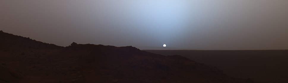 Martian sunset by Spirit rover at Gusev crater (May, 2005).