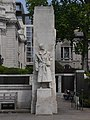 Merchant Seamen's Memorial - sentry at eastern entrance to sunken garden 04.jpg