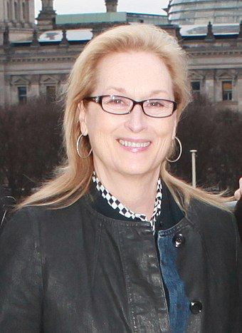 Streep at the Embassy of the United States, Berlin, in 2016 Meryl Streep with the Emersons February 2016 (cropped).jpg
