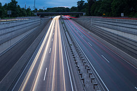Messeschnellweg city expressway Pferdeturm intersection Kleefeld Hannover Germany.jpg