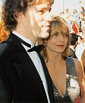 Michelle Pfeiffer con il marito David E. Kelley ai Premi Emmy 1994