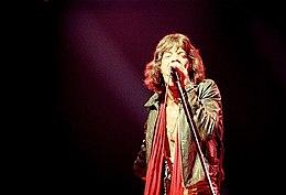 Mick Jagger durante un concerto a New York City negli anni settanta
