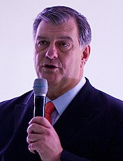 Mike Rawlings 2012 (cropped).jpg