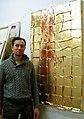 Mike Schleupner, Diplom-Designer von der FH Hannover, hier mit OHNE TITEL, 2012, Schlagmetall, im Atelier 3A, Podbielskistraße 3A, 30163 Hannover.jpg