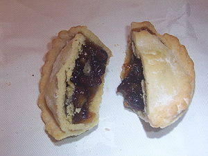 Mince pie consisting of a sweet pastry case an...