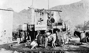San Francisquito Canyon - Miners operating a hydraulic sluice at San Francisquito Canyon (c. 1890-1900).