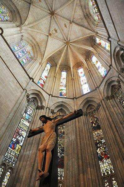 File:Mosteiro da Batalha (interior).jpg