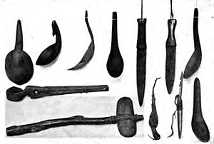 English: Artifacts of various tools found in O...