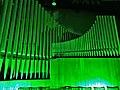 Neusäß, St. Ägidius (Hindelang-Orgel bei Nacht, grün) (1).jpg