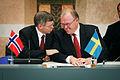 Norges statsminister, Kjell Magne Bondevik och Sveriges statsminster, Goran Persson, vid presskonferens under Nordiska radets session i Stockholm.jpg
