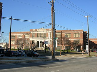 Dallas Independent School District - Image: North Dallas High 02