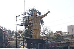 Ntrstatue at hindupur town.JPG
