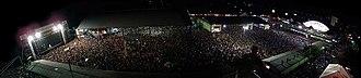 Ivete Sangalo - Performance of Ivete Sangalo in Brazilian Oktoberfest of Blumenau – crowded.