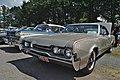 Oldsmobile 442 (41734173924).jpg