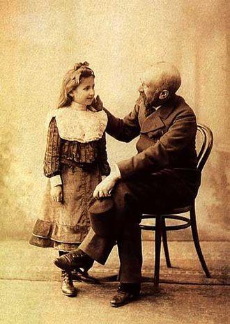 Osman Hamdi Bey - Osman Hamdi Bey with his daughter Nazlı. Osman Hamdi Bey Museum, Gebze.
