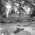 Overzicht grafteken van J. Kurstjens met grote bakstenen engel - Tegelen - 20354272 - RCE.jpg