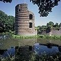 Overzicht van de Bronckhorster toren, gezien vanuit het westen - Batenburg - 20423925 - RCE.jpg