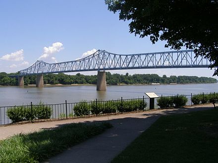 Owensboro Bridge and the Indiana riverbank as seen from Smothers Park in downtown Owensboro Owensboro Kentucky Bridge over Ohio.JPG