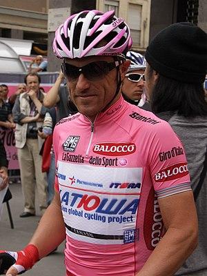 Luca Paolini - Paolini in the Maglia Rosa at the 2013 Giro d'Italia