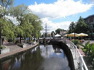 Papenburg - Image: Papenburg Hauptkanal b