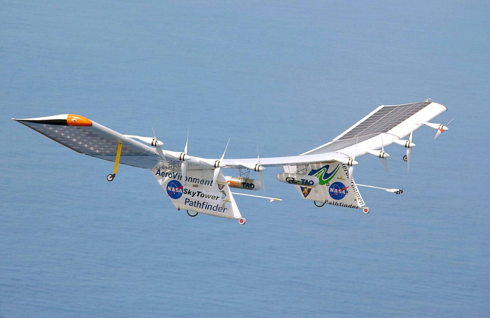 1600px-Pathfinder_Plus_solar_aircraft_ov
